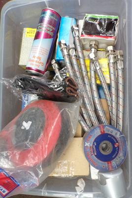 Box of mixed plumbing items