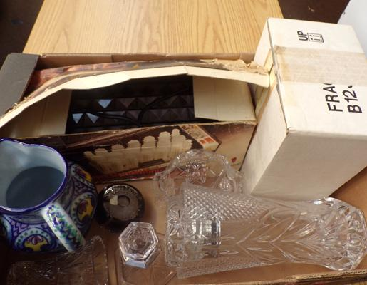 Mixed box of collectables, incl. crystal + Franklin Mint