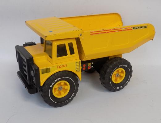 Old Matchbox very large dumper truck