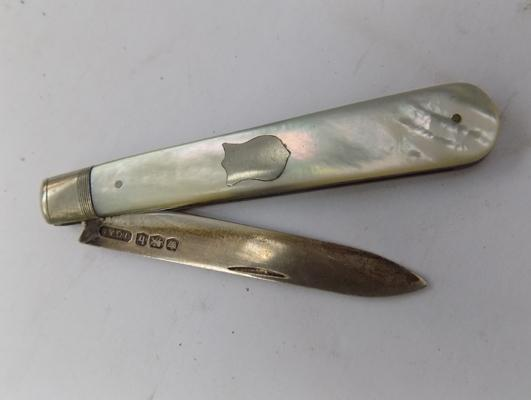 Antique silver and mother of pearl fruit knife; hallmarked Sheffield 1919