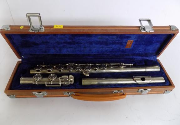 A flute in fitted case