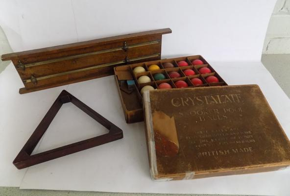 Vintage snooker and pool accessories, including scoreboard