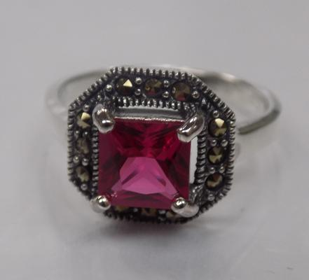 Antique style silver, red stone and marcasite set ring