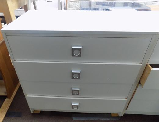 White bedroom drawers