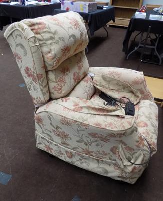 Flower pattern electric recliner