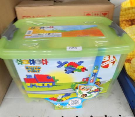 Two 600 piece Clics Rollerbox sets (Retails at £29.99 each)
