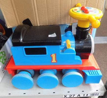 Thomas the Tank engine ride on/coach/track/charger