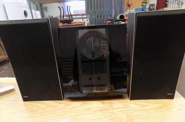 B + O Bang & Olufsen Beosystem 'Overture' 2500 music system - W/O - motion activated CD & pair of vintage B + O X25 s[peakers in box