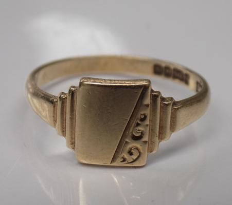 Vintage 9ct gold signet ring, approx. size N