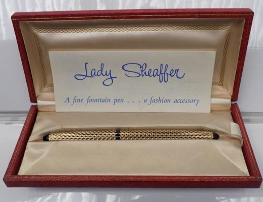 Vintage Scheaffer pen in original box