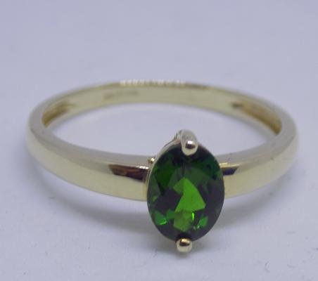 9ct gold and chrome diopside ring - size U 1/2
