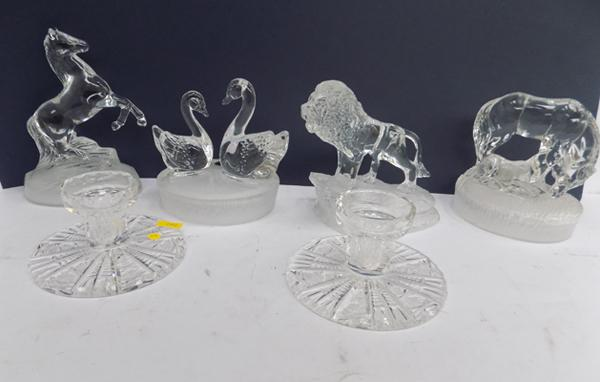 Tray of glass animal figurines & 2 candle holders