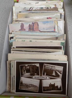 Approx 160 Edwardian postcards and photos