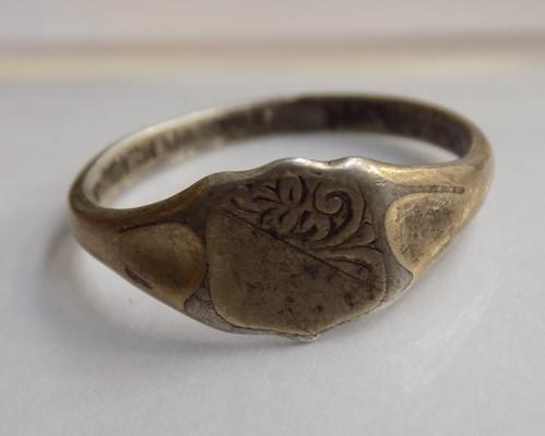Antique 9ct gold on silver signet ring
