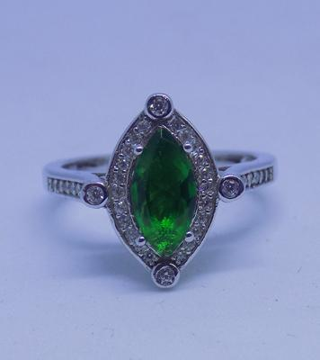 925 silver white topaz and chrome diopside ring - size M