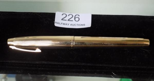 Sheaffer Fountain pen - gold plated with 14ct nib