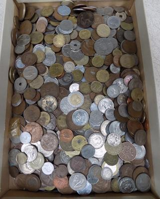 Large box of mixed coins, incl. silver