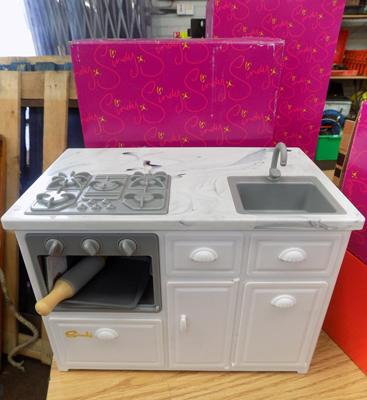Sindy kitchen in original box - very rare