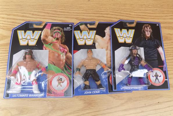 3 WWE retro figures
