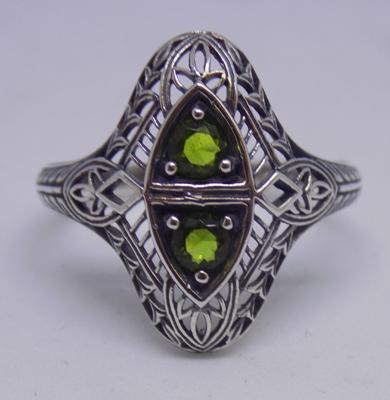 925 Silver vintage style peridot filigree ring - Size Q