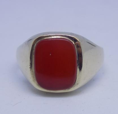 9ct gold Cornelian signet ring - Size R 1/2