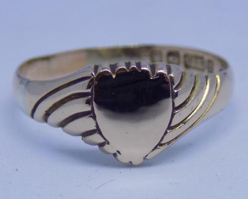 9ct rose gold antique ring - marked Birmingham. Size U 1/2