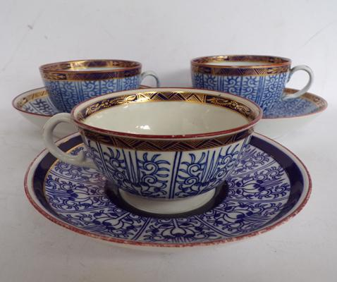 Worcester/Barr cups and saucers, Royal Lily pattern