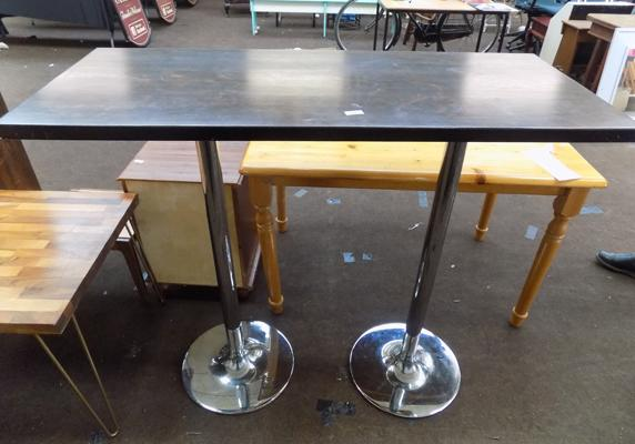 Breakfast bar, 2 x chrome stands and wooden top