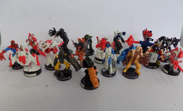18 Hasbro 2006 Attacktix Battlehero figures