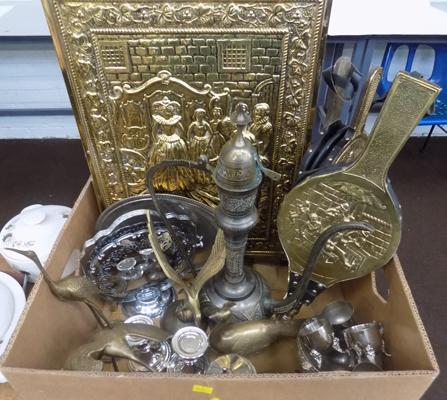 Selection of brass items and other metalwork