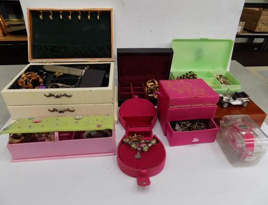 Seven jewellery boxes, incl. costume jewellery