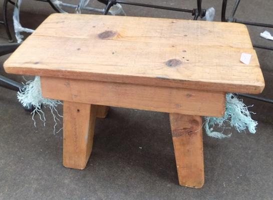 Nautical wooden stool