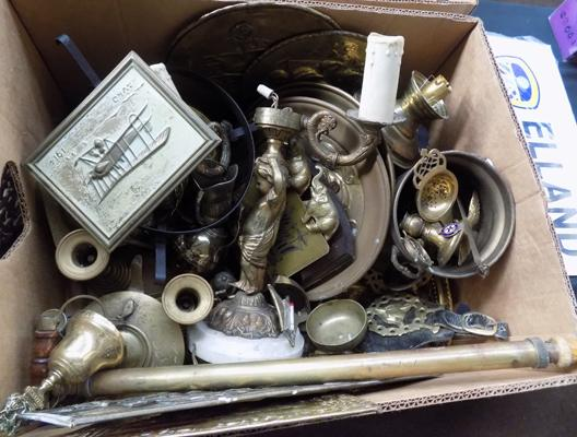 Mixed box of brassware