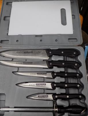 New kitchen knife set