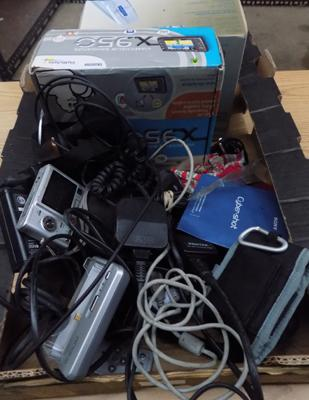 Box of sat-navs/chargers etc.