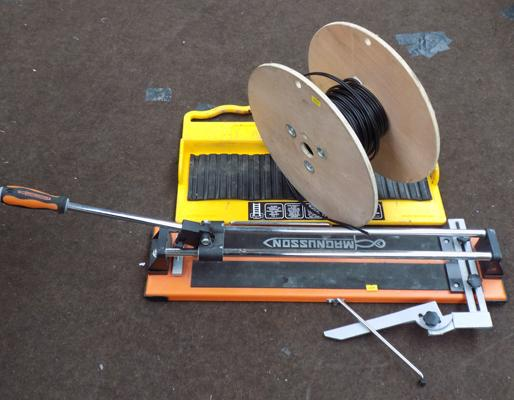 Tile cutter, ladder M8 (Mate) + roll of cable