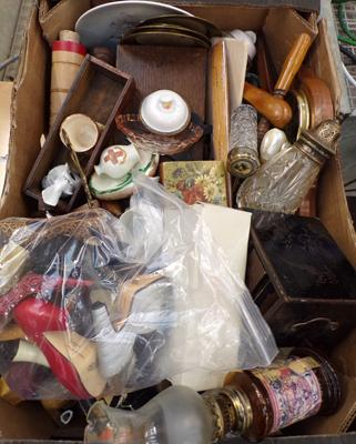 Box of mixed collectables, incl. treen