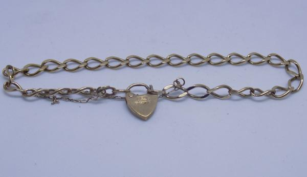 9ct gold bracelet with heart fastener & safety chain