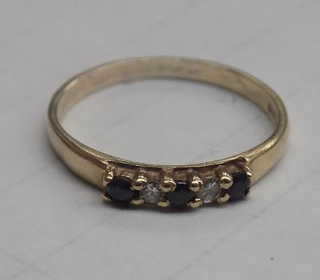 Vintage 9ct gold sapphire and clear stone ring, approx. size K