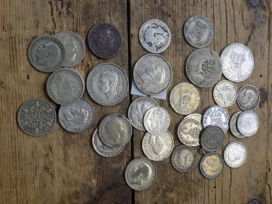 Selection of silver & half silver pre 1947 coins inc threepence, sixpences, shillings