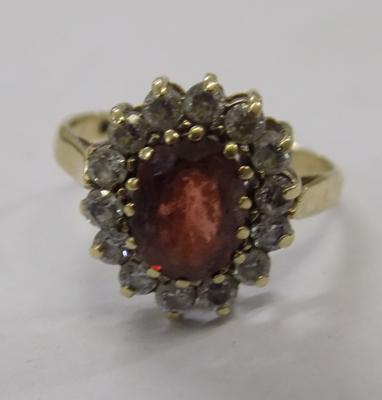 Vintage 9ct gold garnet & clear stone ring approx size M