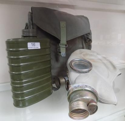 Polish gas mask in original bag with accessories