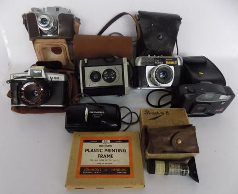 Collection of vintage cameras incl. Brownie, Roniflex, Olympus, Comet etc.