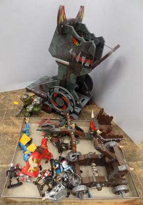 ELC Siege tower/carts and figures