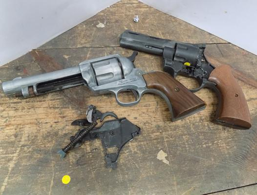 2x Replica guns-spares or repairs