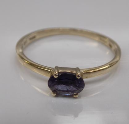 10ct gold tanzanite solitaire ring - size O