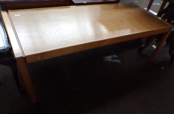 Light mahogany table