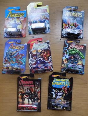 Hotwheels Avengers full set & bonus car