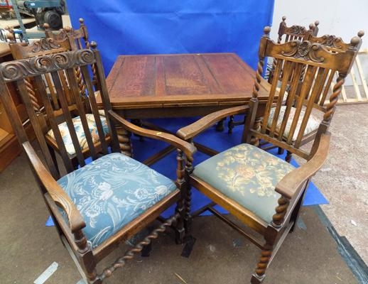 Extending oak table & 6 chairs-(2 carvers) Barley twist detail chairs