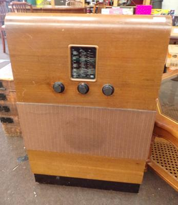 Vintage Murphy radio in working order